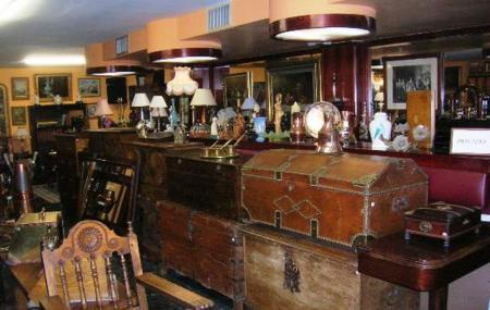 Museo Y Venta De Antiguedades Image