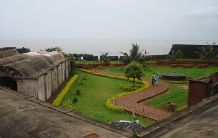 Tellichery Fort Image
