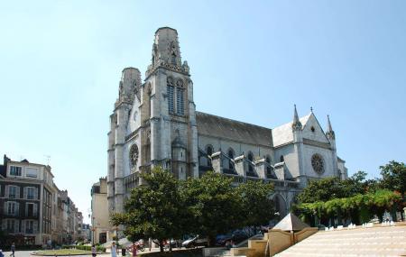 Saint Jacques De Pau Church Image