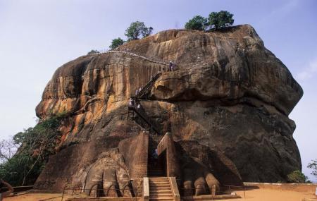 Citadel Of  Sigiriya - Lion Rock Image
