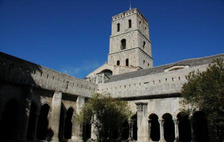 Eglise And Cloitre St-trophime Image
