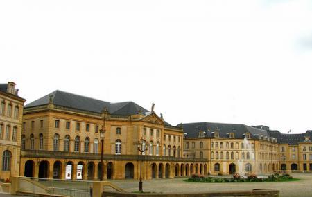 Place De La Comedie Image