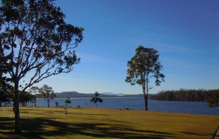Lake Tinaroo Image