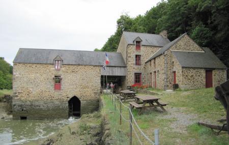 Moulin Du Prat Image