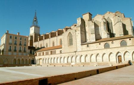 Cathedrale St-jean And Campo Santo Funeral Cloister Image