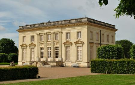 Chateau De Pignerolle Image