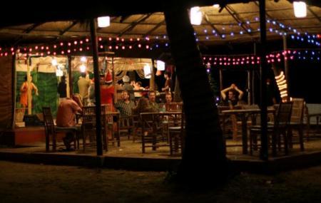 Full Moon Cafe Image