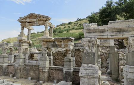 Trajan's Fountain Image
