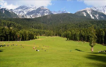 Betaab Valley Image