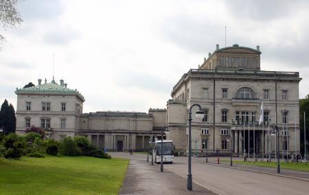 Villa Huegel Image
