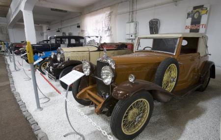 Automobile Museum Image
