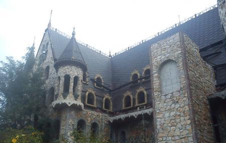 Ravadinovo Castle Image