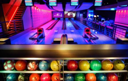 Strike Bowling Bar Image