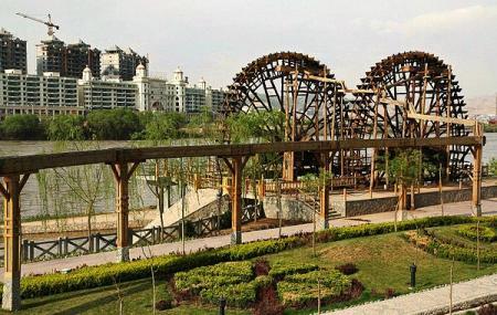 Waterwheel Garden Image