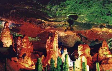 Cockscomb Limestone Cave Image