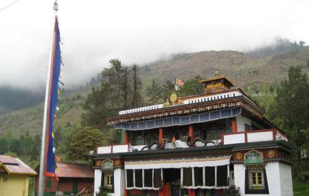 Lachung Monastery Image