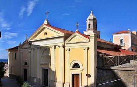 Santuario S. Maria A Mare Image