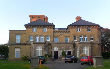 Hove Museum And Art Gallery Image