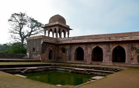 Baz Bahadur's Palace Image