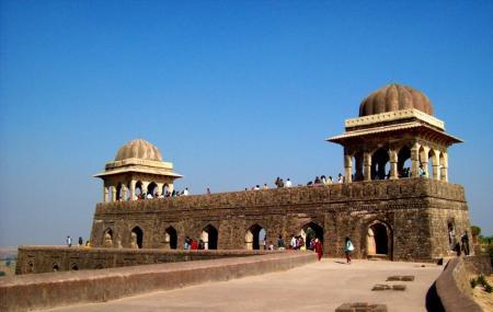 Rani Roopmati Pavilion Image