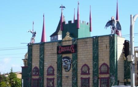 Dracula's Cabaret Restaurant Gold Coast Image