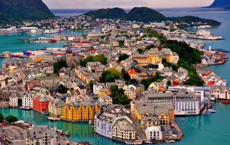 Alesund Town Park And Fjellstoua Viewpoint Image