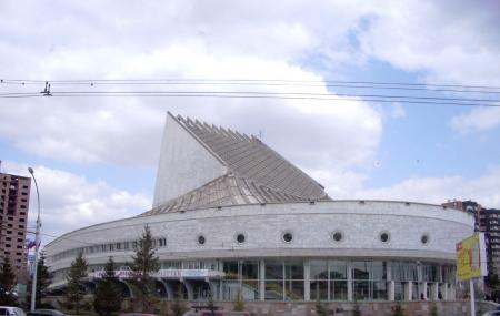 Globus Novosibirsk Academical Youth Theatre Image