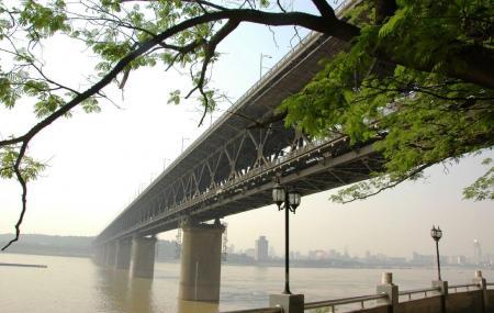 Wuhan Yangtze River Bridge Image