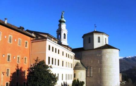 Basilica Cattedrale Di San Martino Image