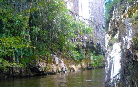 Mulu Caves Image