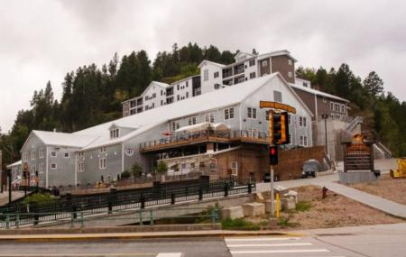 Deadwood Mountain Grand Hotel Image