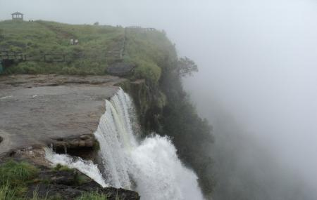 Nohsngithiang Falls Image