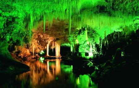 Lake Cave Image