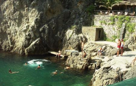 La Grotta Beach Image