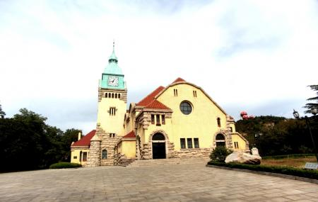 Protestant Church Image