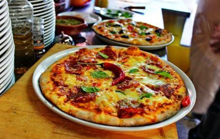 Napoli Pizzeria Image