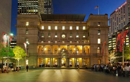 Customs House Image