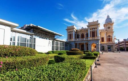 Museu De Artes And Oficios Image
