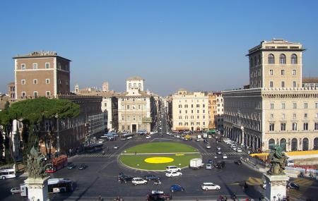 Piazza Venezia Image