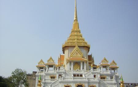 Wat Traimit Image