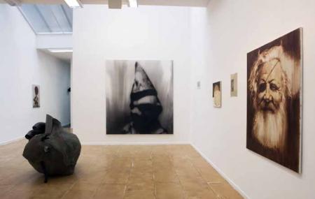 Akinci Gallery Image
