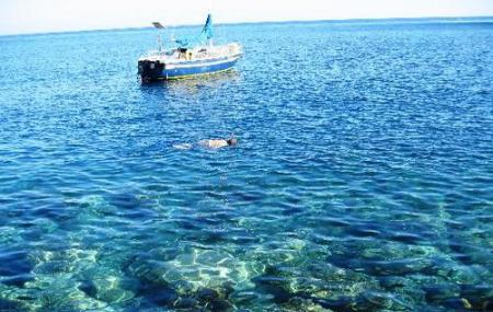 Snorkelling And Diving In Agios Georgios Image