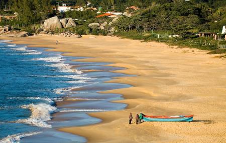 Estaleiro Beach Image