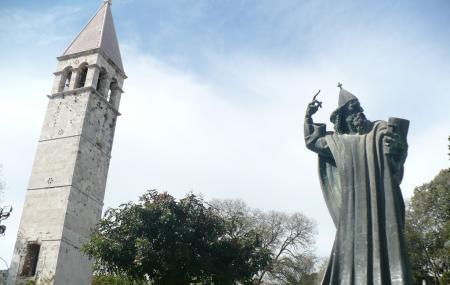 Grgur Ninski Statue Image