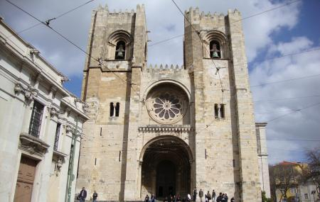 Lisbon Cathedral Image