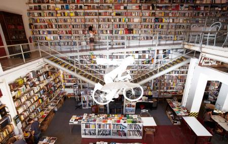 Livraria Ler Devagar Image