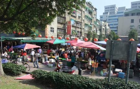 Shuanglian Market Image