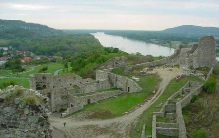 Devin Castle Image