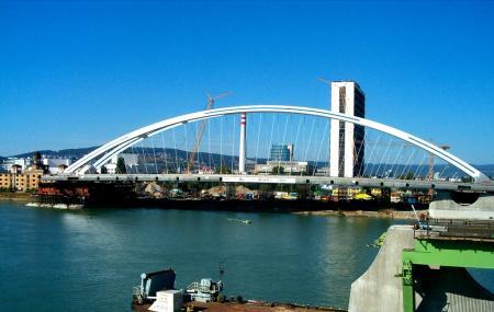 Apollo Bridge Image