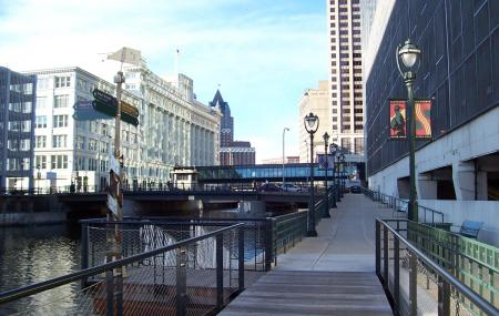 Milwaukee Riverwalk Image